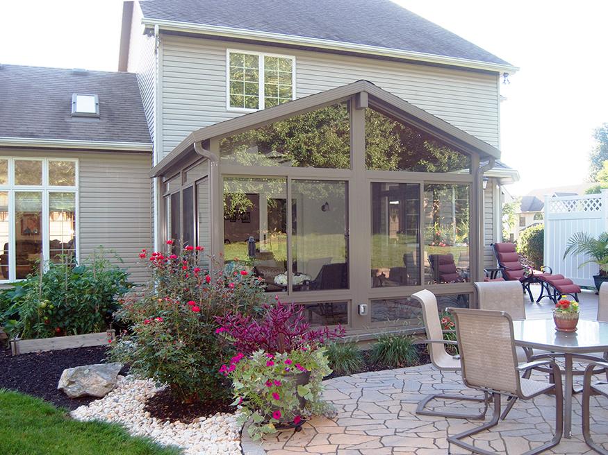 gable-roof-sunroom-1